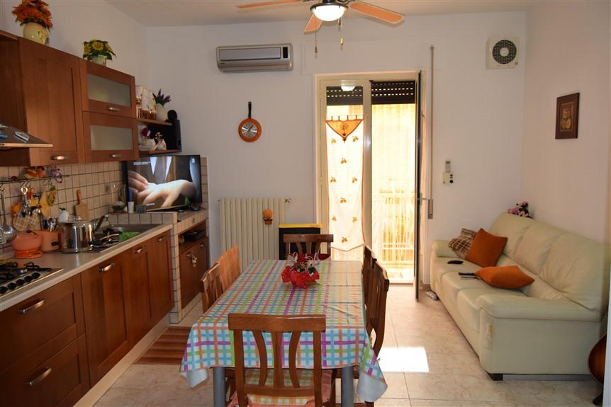 Ragusa – Zona Villa Margherita – Graziosa Casa Singola con Terrazzo