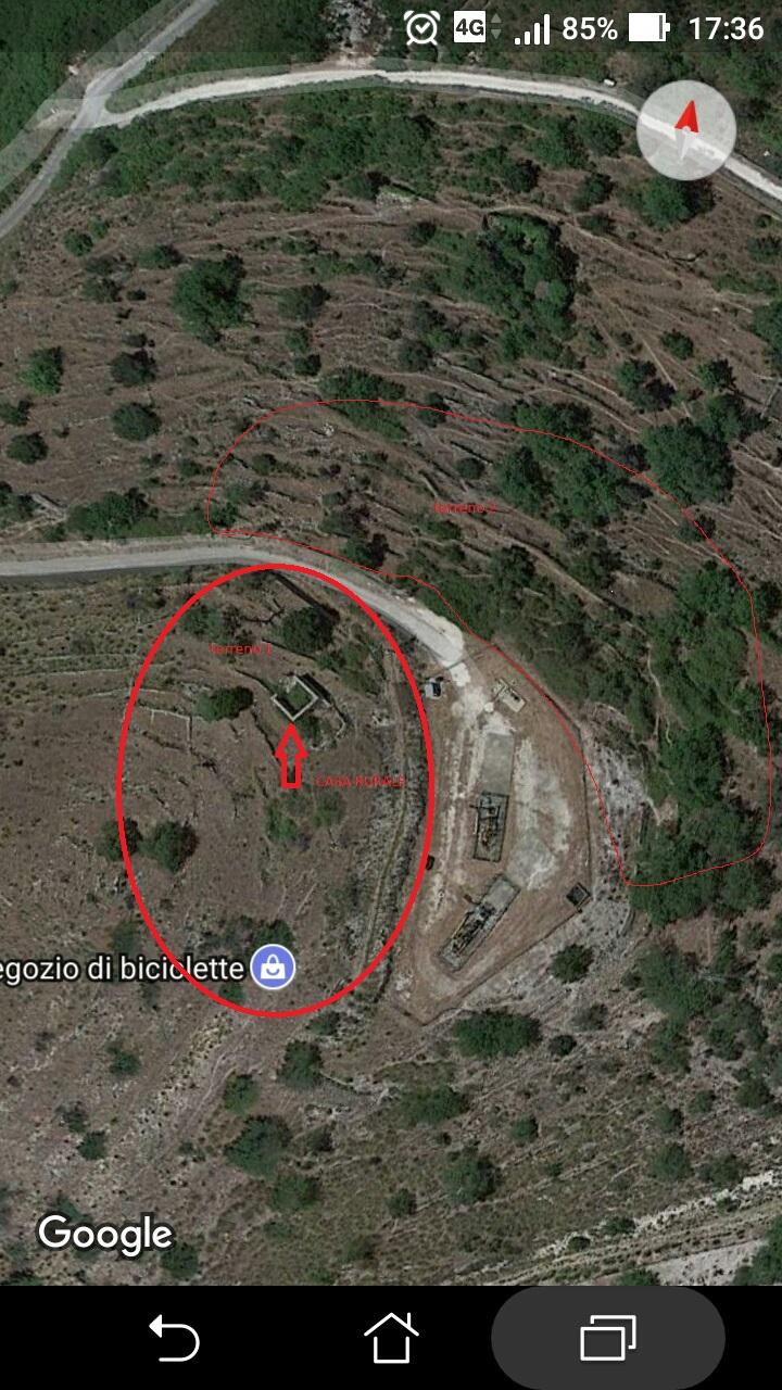 Ragusa – Rudere con terreno