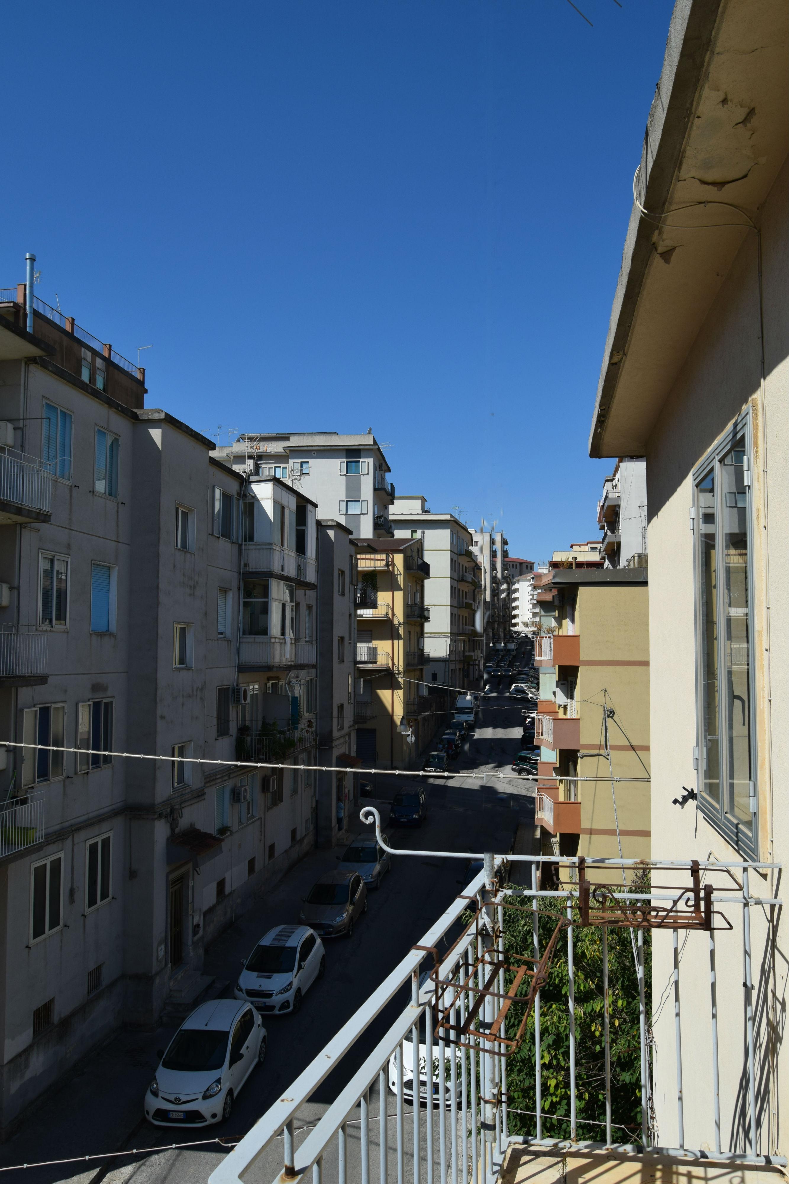 Ragusa, zona via Risorgimento – Appartamento con Cantina