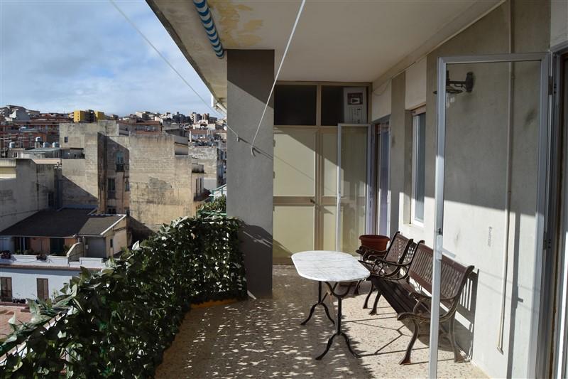 Ragusa – Luminoso Appartamento mq.135 – Via Carducci