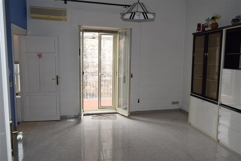 Ragusa, Appartamento con Ingresso Autonomo in Corso Vittorio Veneto