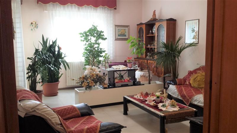 Ragusa – Appartamento con Garage e Posto Auto