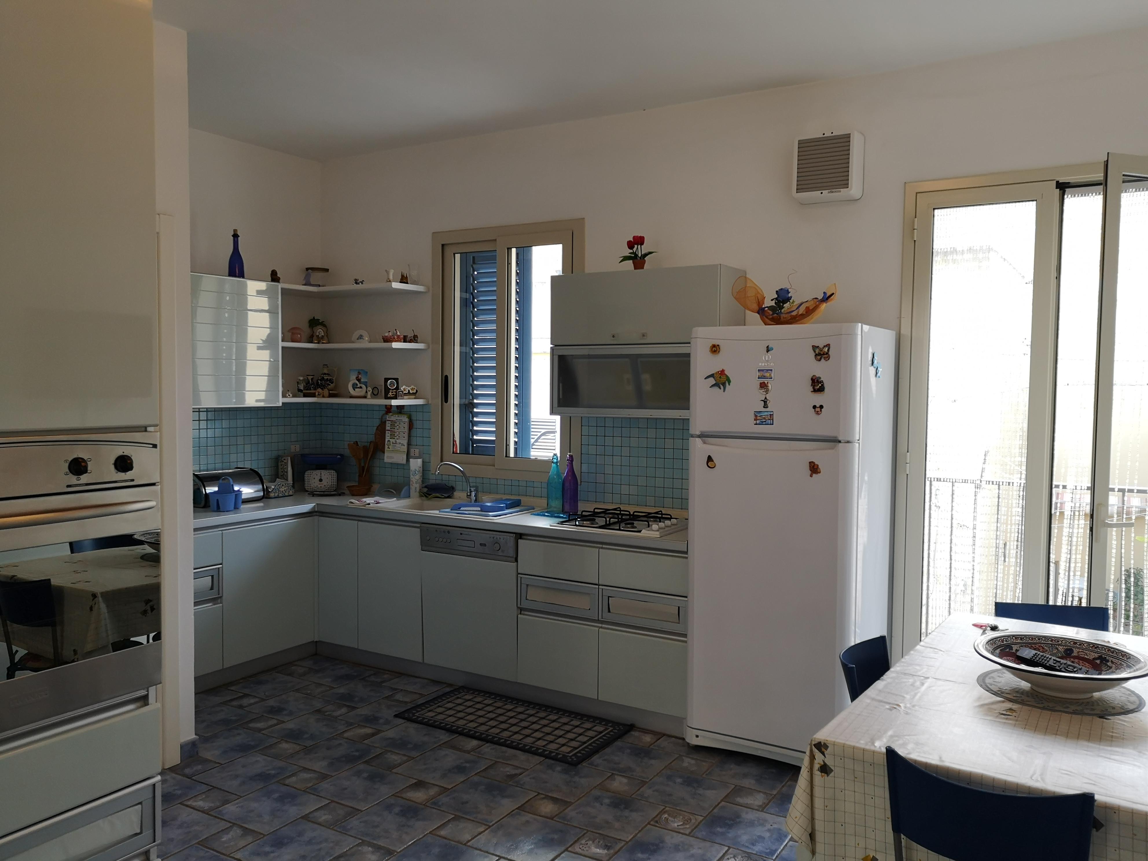 Marina di Ragusa – Grazioso Appartamento con veranda ottime condizioni