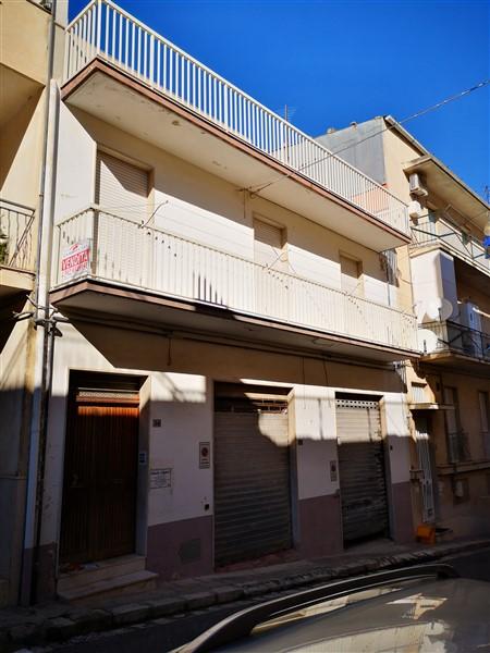 Ragusa – Casa Indipendente – zona Ricovero via Criscione Lupis