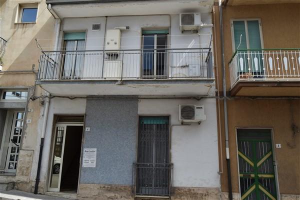 Ragusa – Intero Stabile in via Paolo Vetri