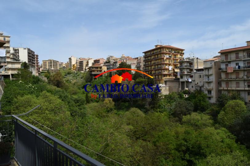 Ragusa, Appartamento Primo Piano vicino Scuola Paolo Vetri