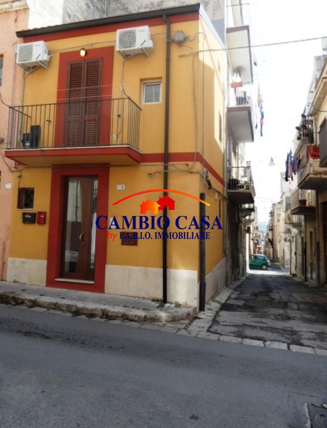 Ragusa, Casa Indipendente – ideale per Investimento
