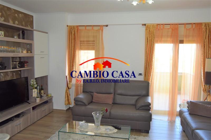Ragusa, Appartamento Ristrutturato zona Selvaggio
