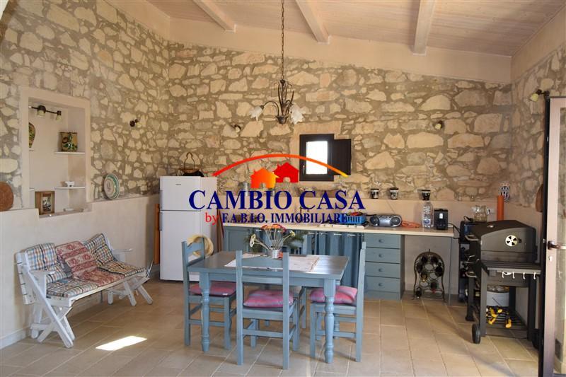 Ragusa – Caseggiato rurale Finemente Ristrutturato Zona Conservatore