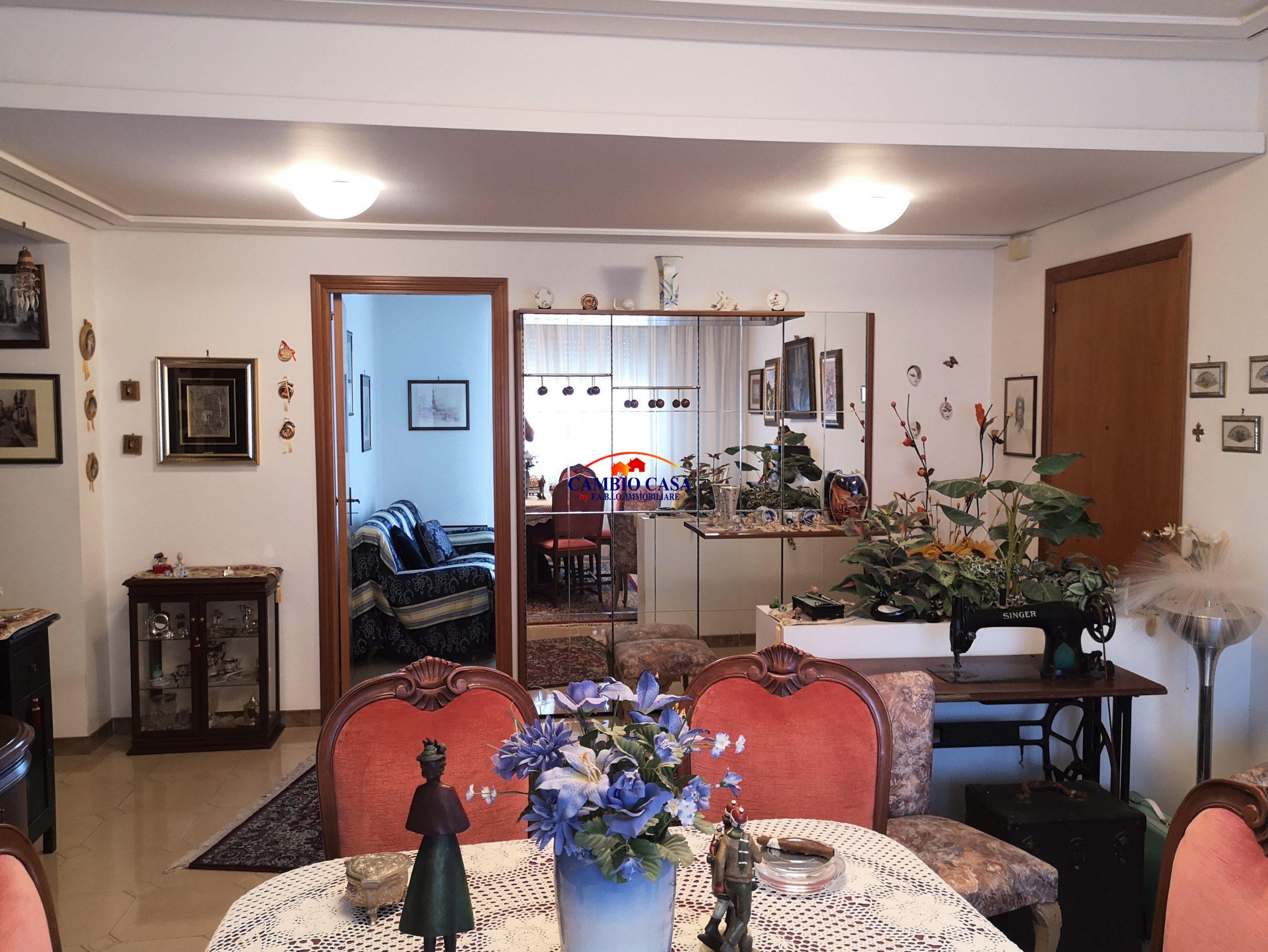 Ragusa, Zona Chiesa San Giuseppe Artigiano – Appartamento mq. 120 Garage e Posto Auto