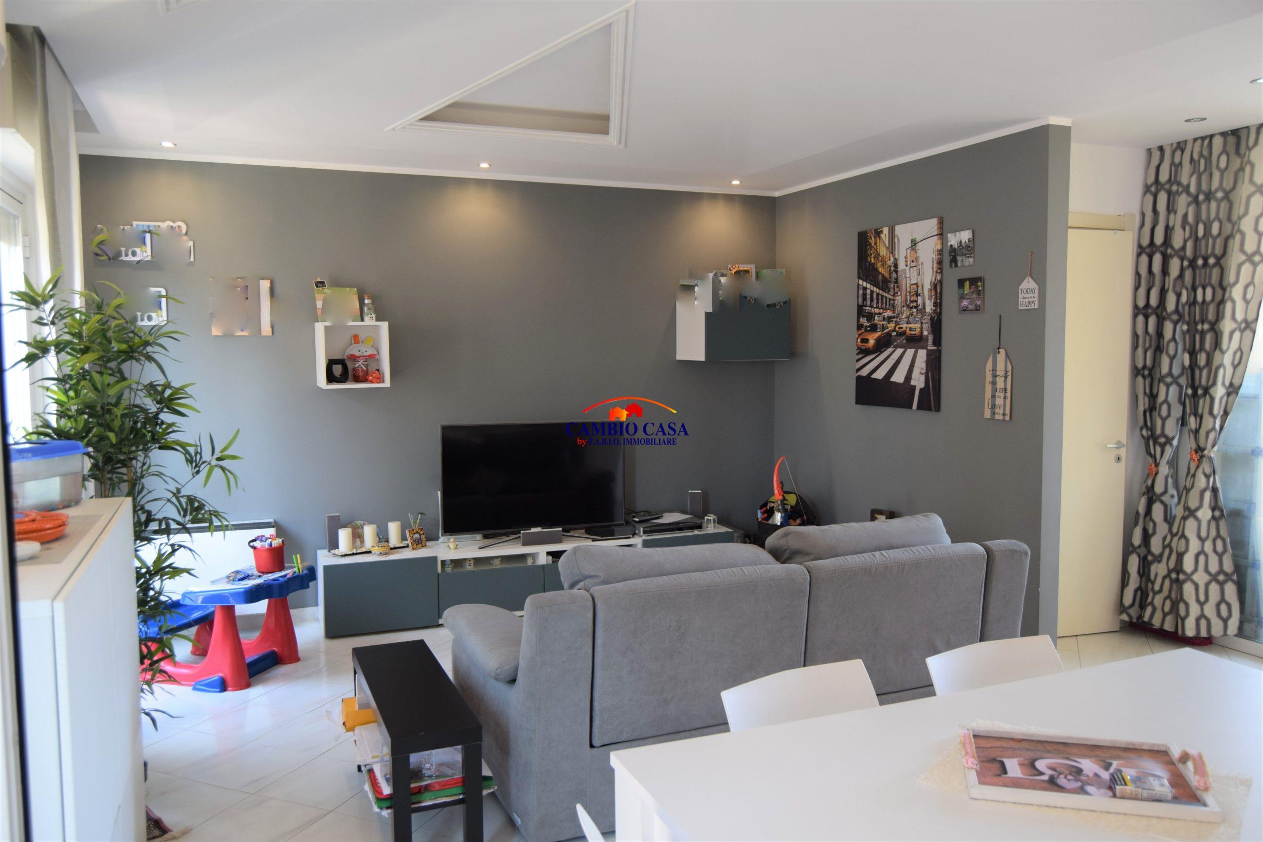 Ragusa – Appartamento duplex mq. 100 più terrazzino – Zona Scuola Crispi