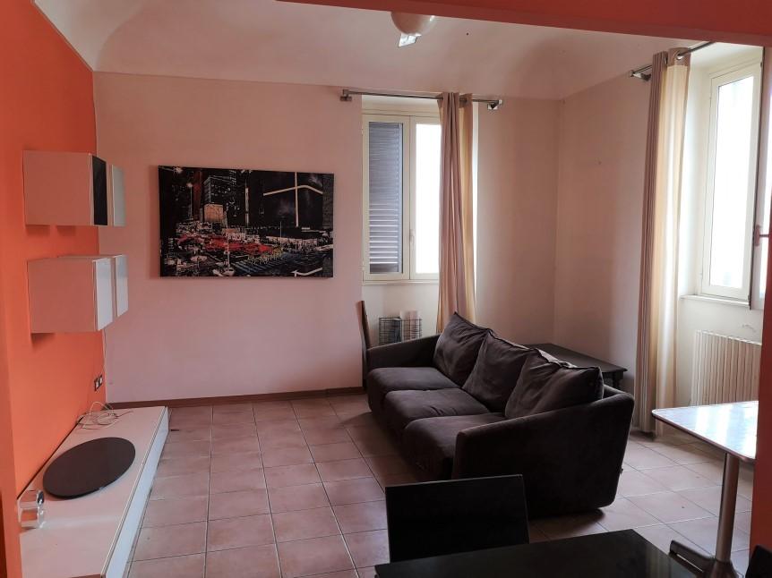 Soggiorno - Appartamento in Vendita zona via Carducci Ragusa (1)