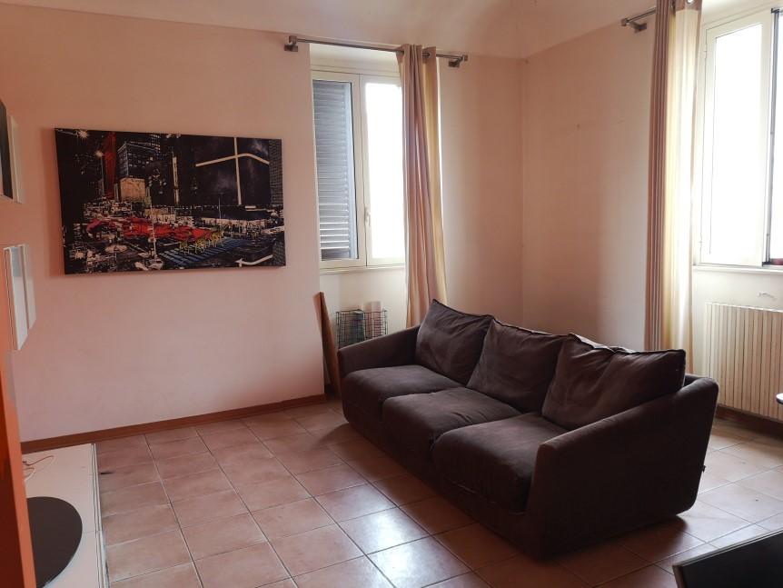 Soggiorno - Appartamento in Vendita zona via Carducci Ragusa (3)