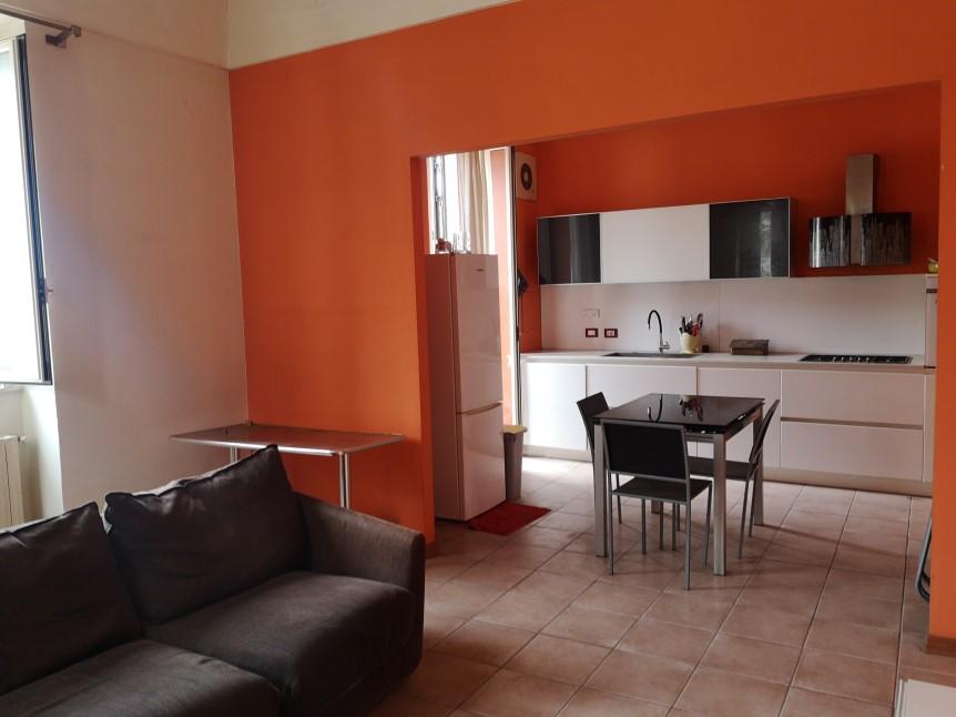 Soggiorno - Appartamento in Vendita zona via Carducci Ragusa (4)
