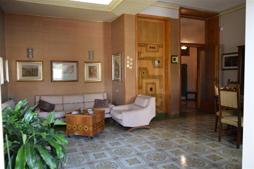 Ragusa, F.A.B.I.O. IMMOBILIARE, Appartamento in Vendita via Risorgimento (5)